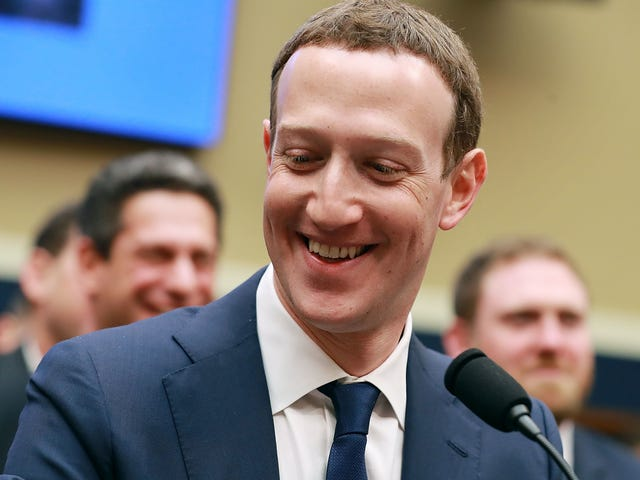 Το Facebook διαπραγματεύεται ένα ρεκόρ πολλών δισεκατομμυρίων δολαρίων για τα Προβλήματα Προστασίας Προσωπικών Δεδομένων: Έκθεση