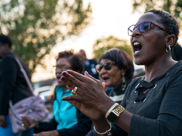 Khảo sát mới cho biết: Các chính trị gia Đừng quan tâm đến người da đen