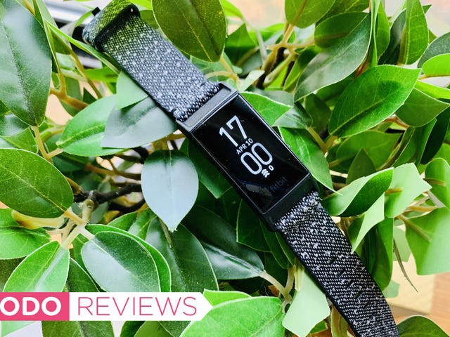 Fitbit's Charge 4 Is a Great Tracker That's Come at a Weird Time