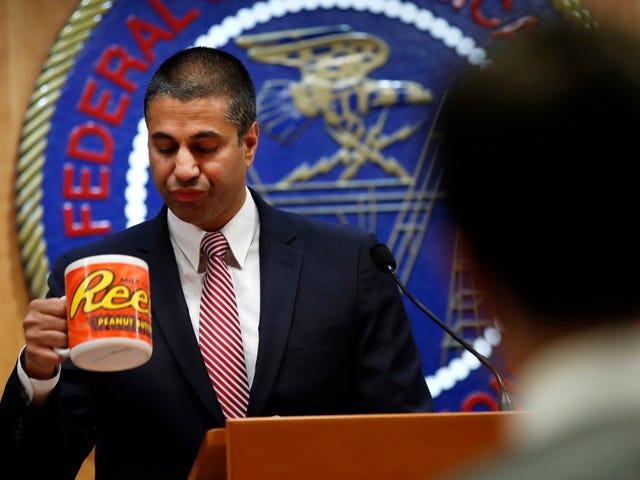 FCC визнає в суді, що вона не може відстежити, хто подає підроблені коментарі