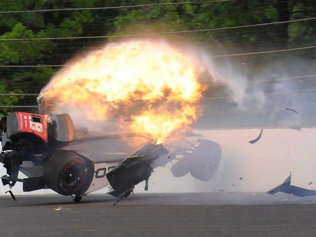Драйвер IndyCar очистился до гонки через три месяца после разрушения его тазобедренного сустава и тазового дна в массовом крахе