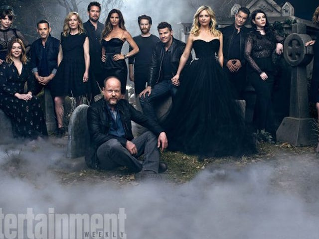 These New Photos of theBuffy Cast Look Like aGoth High School Reunion