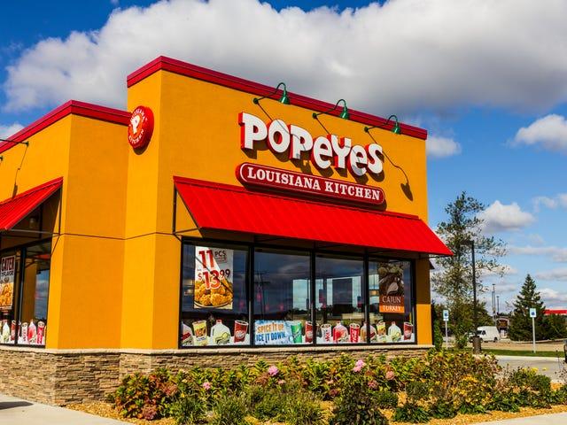 'Consome Você': Homem do Tennessee processa Popeyes por ficar sem o amado sanduíche de frango