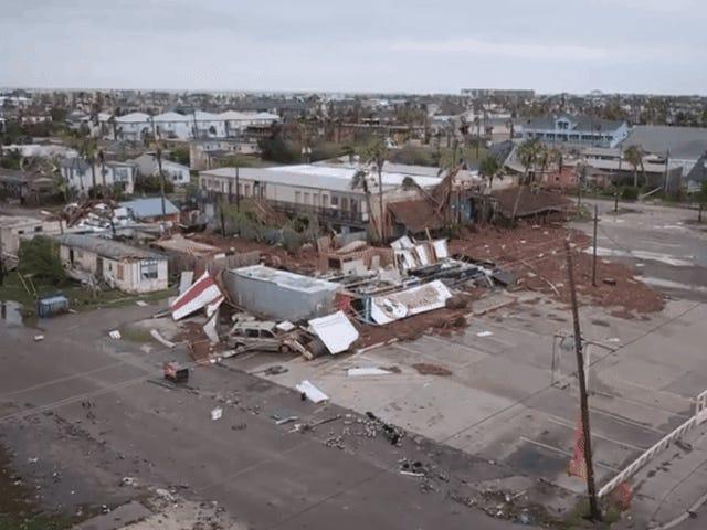 La devastación que ha dejado el huracán Harvey, grabada desde el cielo mediante drones