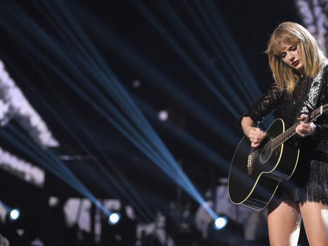 Here's Where Taylor Swift Is Making Her First Donation Post Groping Trial