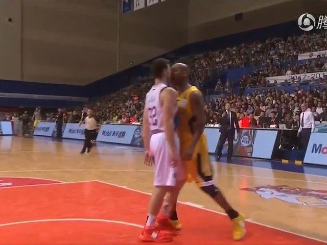 "Stephon Marbury risparmia Jimmer Fredette ""The Real Power"" in Altercation"
