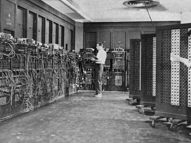 A Timeline of Computing: From ENIAC to Quantum Processors
