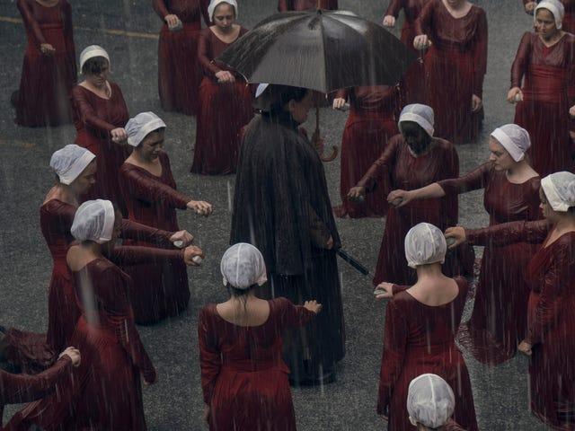 欢迎回到The Handmaid's Tale的反乌托邦噩梦