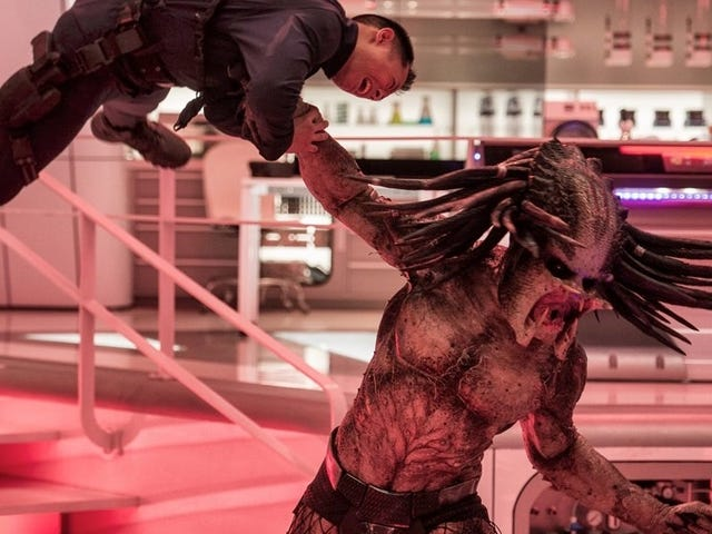 ThePredator Director Shane Black Defends Hiring a Registered Sex Offender After Fox Found Out [Updated]