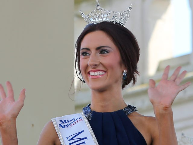 Bem-vindo Primeiro Concurso Aberta Lésbica da Miss América