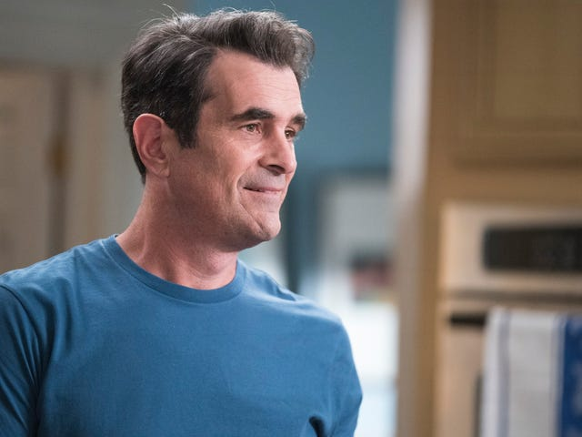 Modern Family deals with insecurity in a mostly touching way