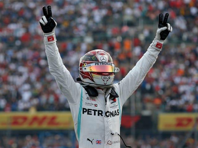 Tinatanggal ng Lewis Hamilton Ang Isang Tagumpay sa Mexico, Ngunit Hindi niya Na-secure ang Championship ng Driver
