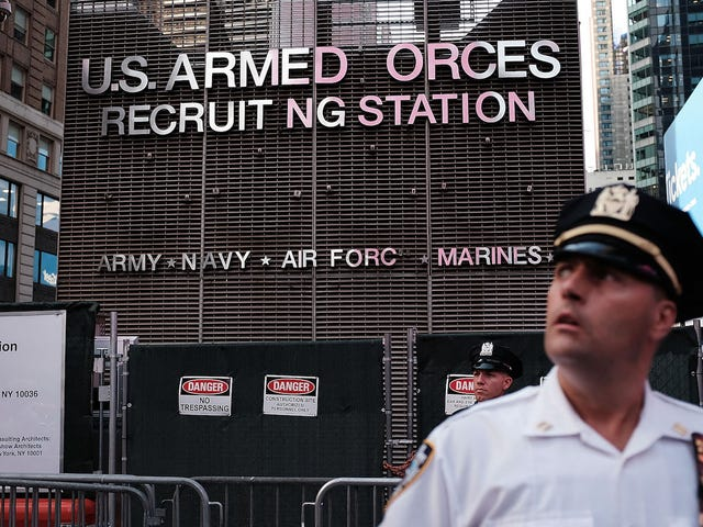 Immigrants Are Being Kicked Out of the Army Now