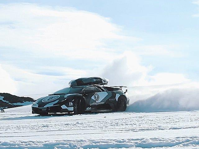 Jon Olsson 스키 레이싱 람보르기어는 당신이 더 재미 있지 않은 이유를 궁금해하게 만듭니다.