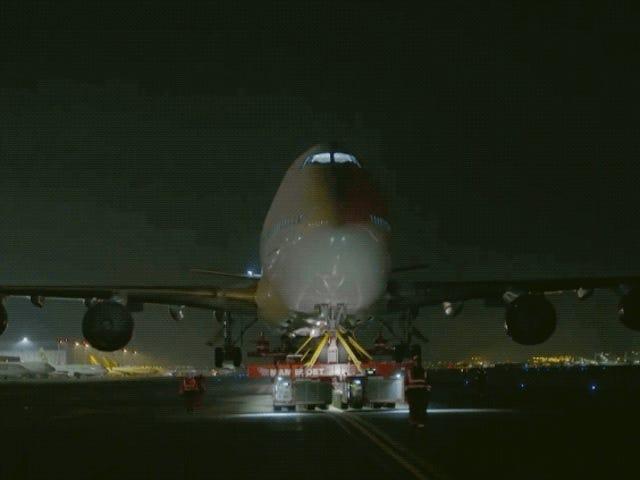 Som en del af Boeing 747 de 70 meter og 400 toneladas ved carretera <em></em>