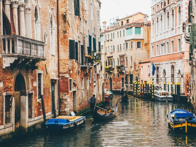 Visit Venice, Rome, and Tuscany With This Air-Inclusive Vacation Deal