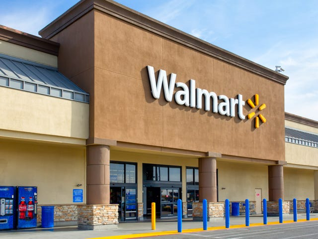 Secret Santa Spends $29,000 to Pay Off Every Single Layaway Account at a Pennsylvania Walmart
