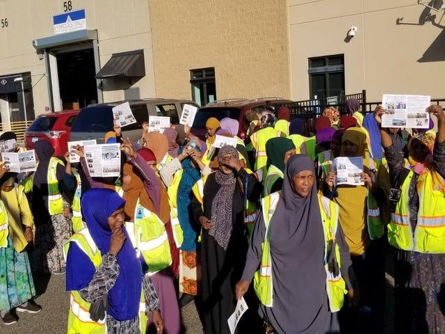 Εργαζόμενοι Amazon Strike έξω από το Eagan, Μινεσότα, σταθμός παράδοσης
