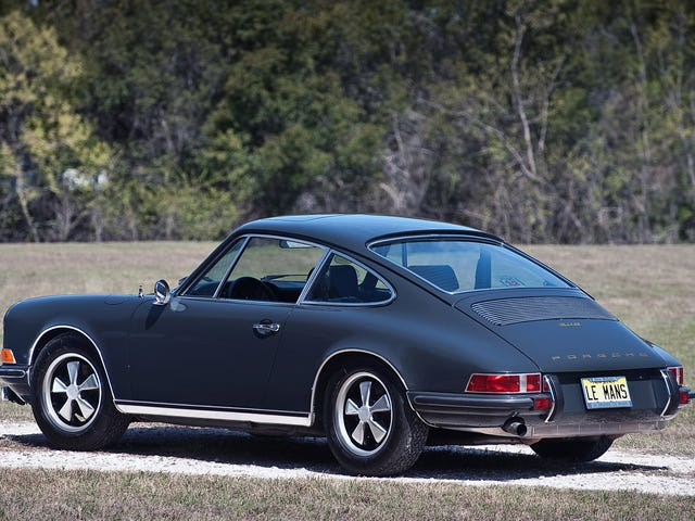 I think old 911's look better without the ducktail