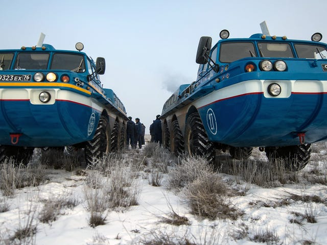 This Soviet 6x6 ATV Is The Perfect Airport Shuttle For NASA Astronauts