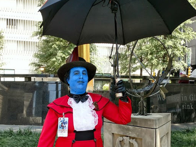 io9 Halloween Costume Show Week Two: It's Mary Poppins, Y'all
