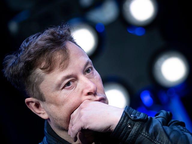 Elon Musk đã chơi một trò chơi cực kỳ nguy hiểm