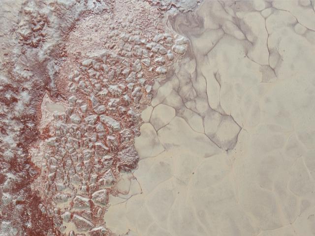 Astronomen zoeken verrassend bewijs van methaanduinen op Pluto
