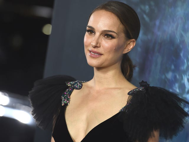 Natalie Portman Is Sorry About Signing a Petition in Support of Roman Polanski Nearly a Decade Ago