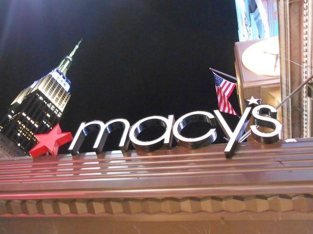 Nueva demanda alega que Macy's discrimina a los empleados negros y latinos en sus prácticas de contratación