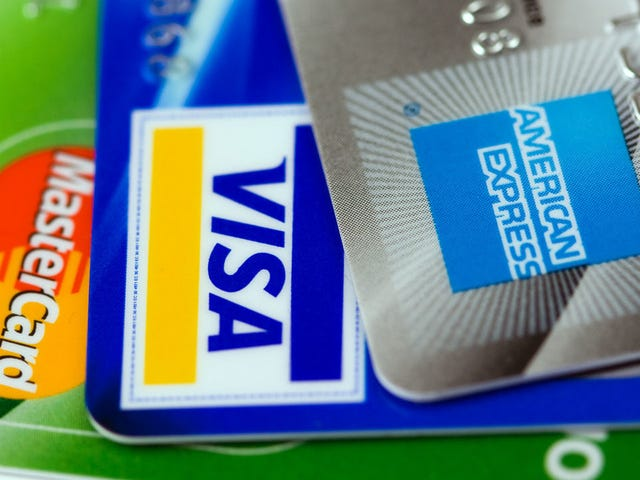 How to Earn Yearly Point Bonuses on Your Credit Cards