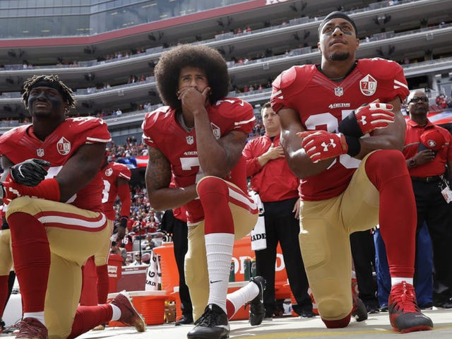 Colin Kaepernick Voted Most Courageous Player by49ers