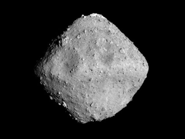 Hell Yes, Japan's Hayabusa2 Spacecraft Has Officially Entered Orbit Around the Ryugu Asteroid
