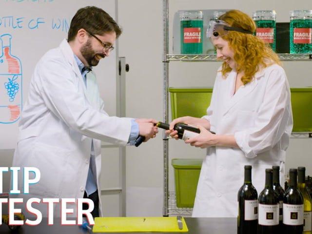 ¿Puedes abrir una botella de vino sin un sacacorchos?