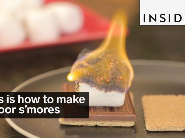요리 토치로 실내에서 완벽한 스몰 모어를 만드십시오.