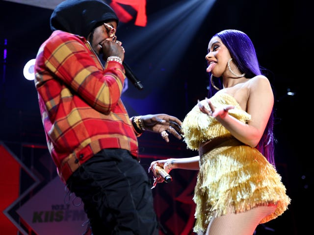 Somebody Gather Offset's Lonely Ass: Rapper Pines for Cardi B on Twitter