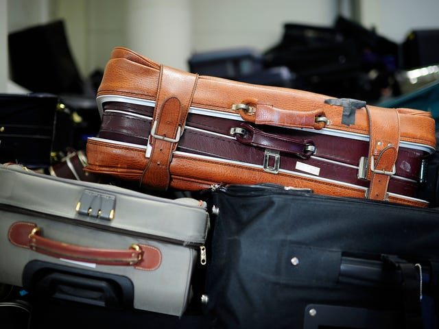 Three US Airlines Will Start Banning Some Smart Luggage in January