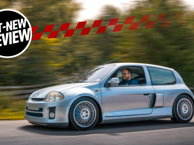 The Mid-Engine 2001 Renault Sport Clio V6 Is Just As Unreal As You Imagine
