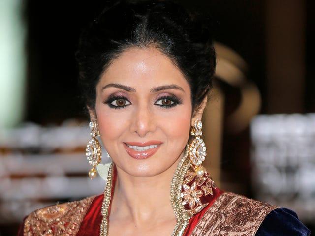 Αγαπημένη εικόνα Bollywood Sridevi Kapoor έχει περάσει μακριά στις 54