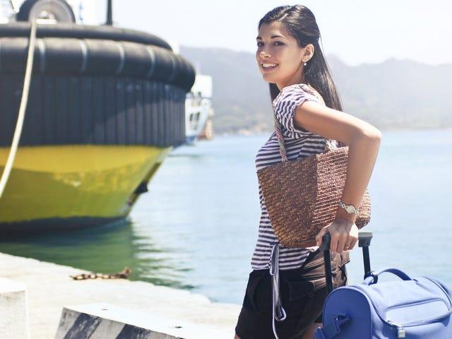 Mantenga un 'gabinete de medicamentos móvil' en su maleta para percances de viaje