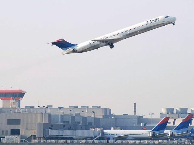 Grand Theft Airport: Οι Ρεπουμπλικανοί προσπαθούν να αρπάξουν το πιο πολυσύχναστο αεροδρόμιο στην Αμερική από την Black Leadership