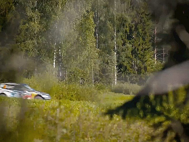 Mire A Big Box Truck Chase A Rally Car