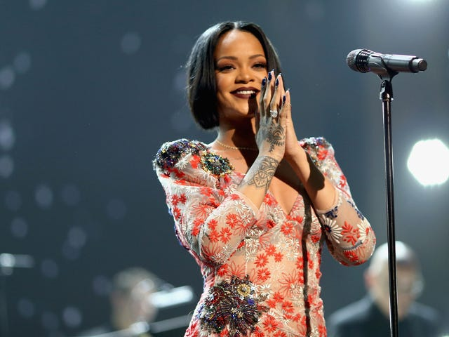 After Cancelling Her Grammys Performance, Rihanna Postpones ANTI Tour Dates