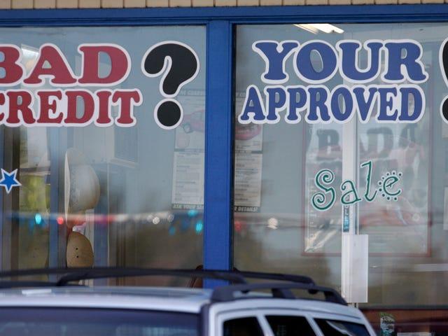 Apa Cara Terbaik untuk Mendapatkan Kredit Mobil Jika Saya Memiliki Penghasilan tetapi Bukan Skor Kredit yang Baik?