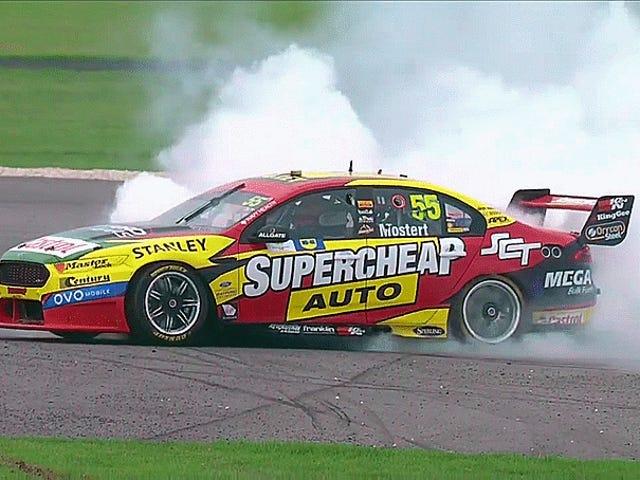 Australische Supercars-chauffeur die is geconfronteerd voor zieke uitbranding, omdat de cool shit niet gratis is