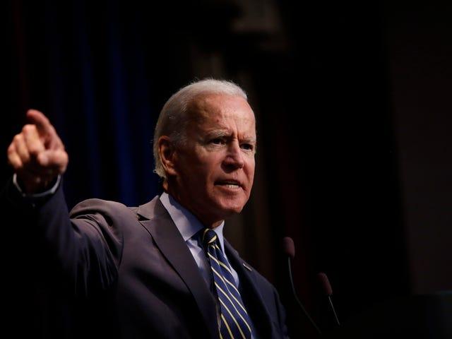 Pojke, som Joe säkert vet hur man panderar: Joe Biden klumpar Trump in med KKK i tal vid Black Church