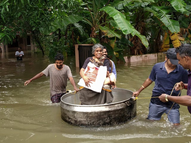 Deadly Monsoon Floods Force 200,000 Evacuations in Southern India
