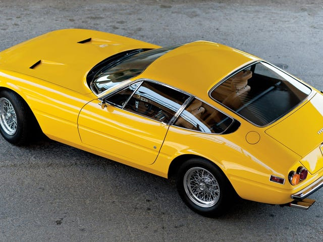 The Ferrari Daytona and C3 Corvette aren't actually that different