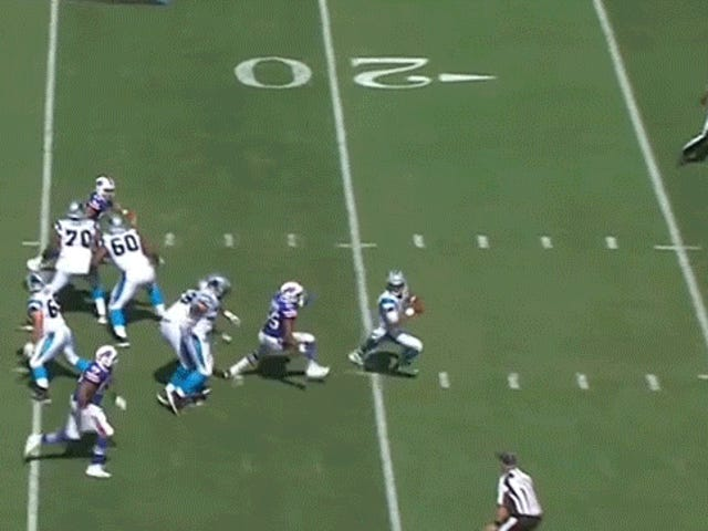 Cam Newton blir knust, men går raskt tilbake til spillet