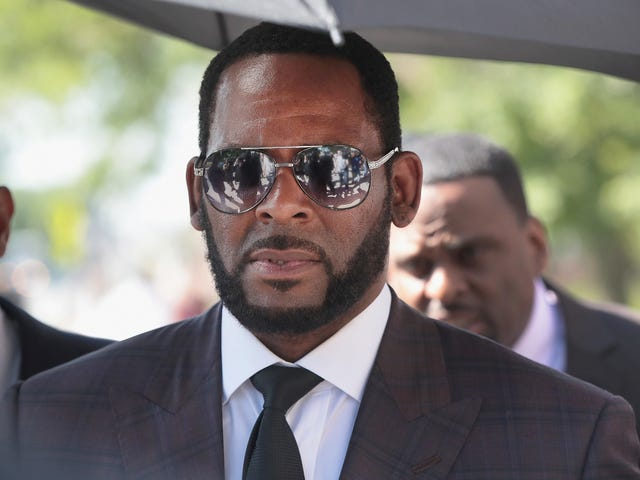 R. Kelly Faces Prostitution Charges for Soliciting a Minor Who Asked Him for an Autograph