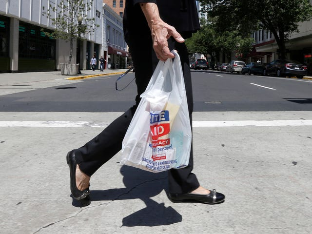 """<a href=""""https://earther.com/california-s-plastic-bag-ban-appears-to-be-kicking-some-1820443038"""" data-id="""""""" onClick=""""window.ga('send', 'event', 'Permalink page click', 'Permalink page click - post header', 'standard');"""">California's Plastic Bag Ban Appears to Be Kicking Some Major Ass</a>"""